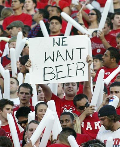 supporters fans football stade bière pancarte affiche